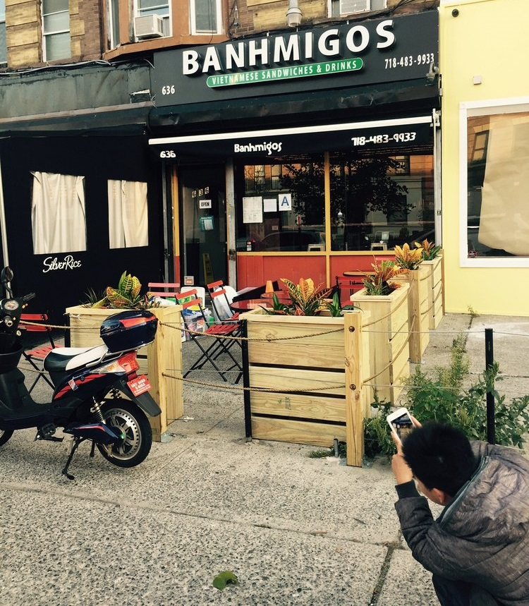 Enjoy a delicious meal from Banhmigos today.